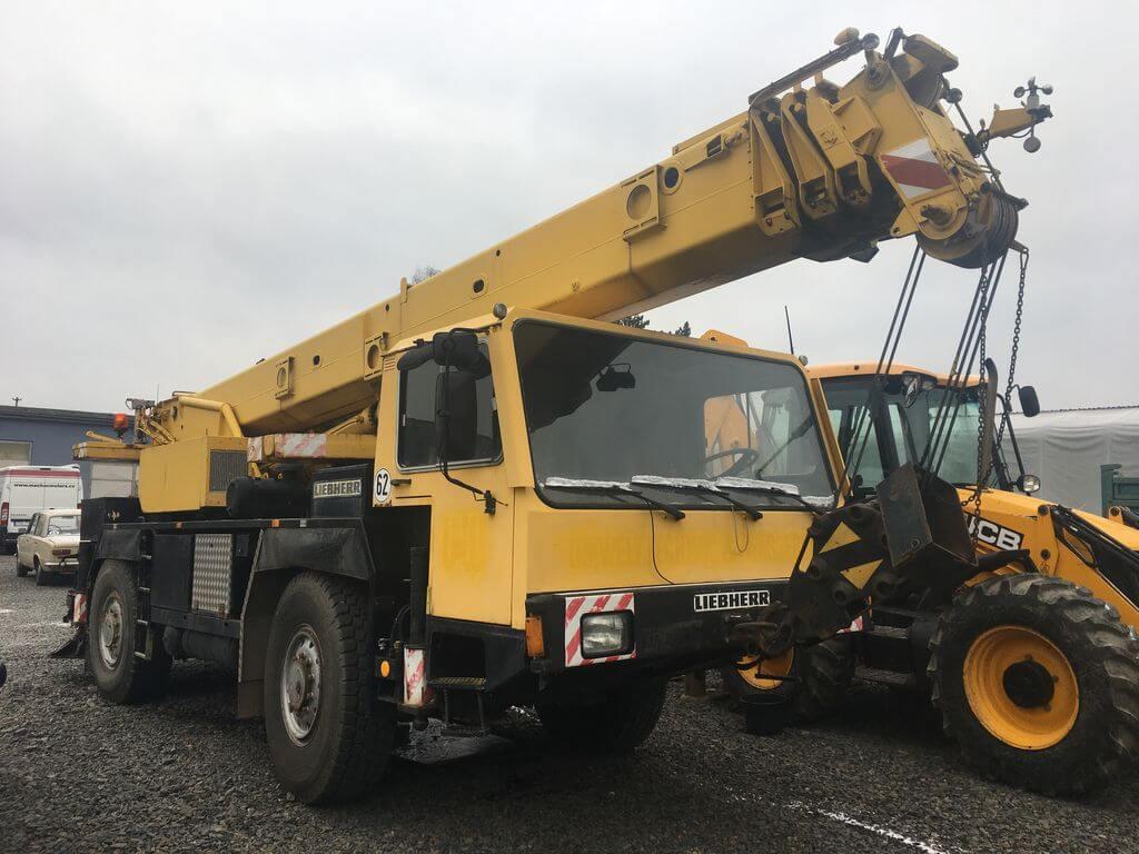 arenda-avtokrana-LIEBHERR-25-tonn